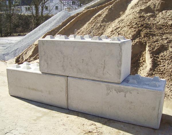 start betonwerk pieper schwerbetonsteine filtersteine stufen bossen stufen. Black Bedroom Furniture Sets. Home Design Ideas